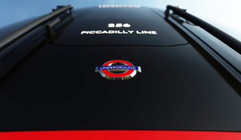 New Tube for London Trains by PriestmanGoode 2