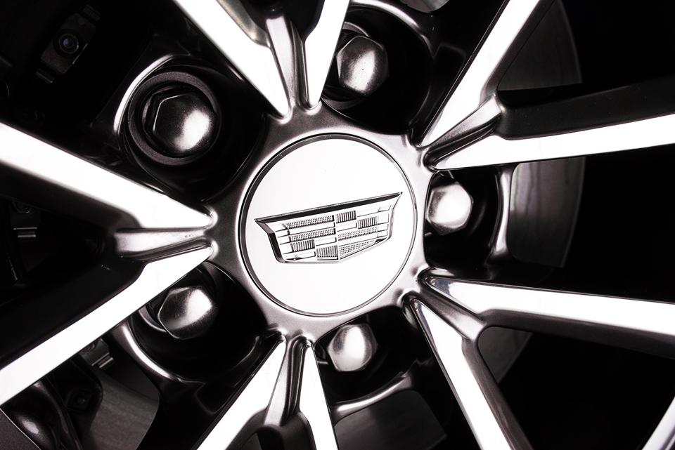 2016-Cadillac-ATS-V—Flash—Rim