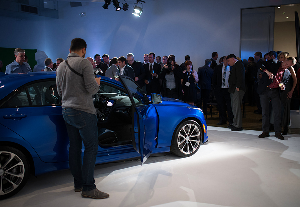 2016-Cadillac-ATS-V---Reveal---adoring-crowd