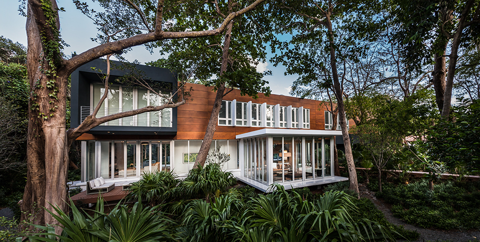 Camp Biscayne House by Shulman and Associates Photo by Emilio Collavino 31 Miami as a Collaborative Design Project: Talking Architecture with Allan Shulman