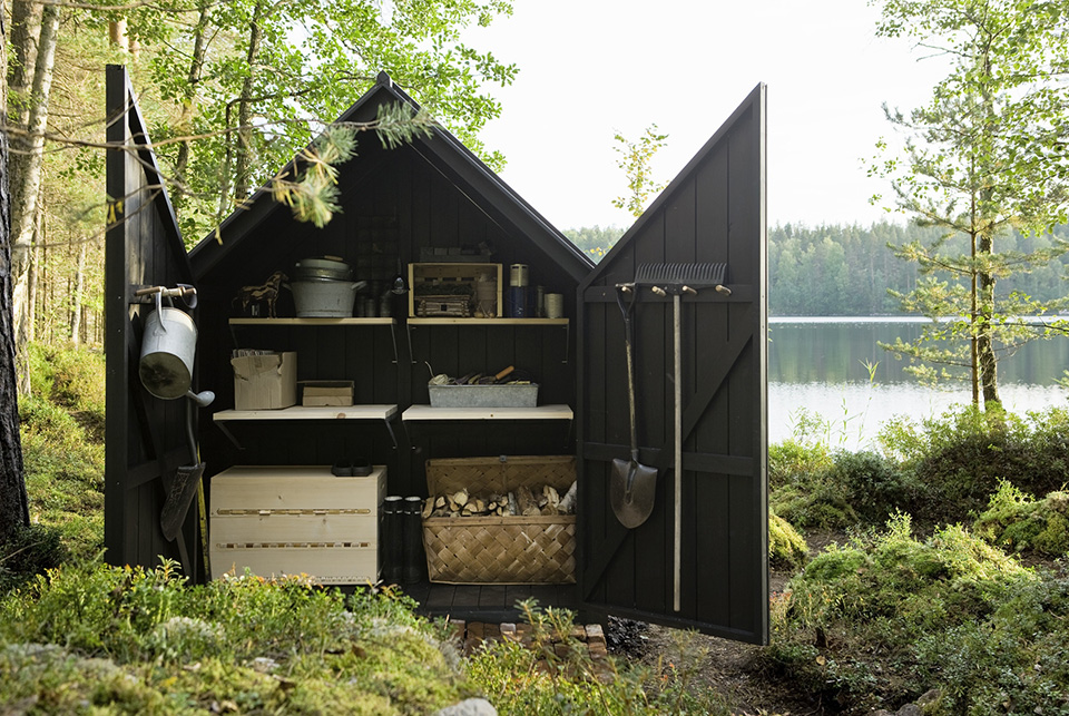 Glass-Garden-Shed-by-Ville-Hara-and-Linda-Bergroth-4