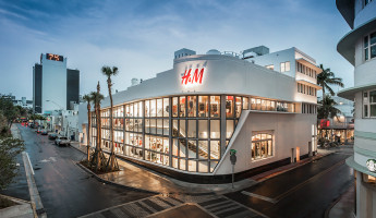 Lincoln-Theater-H&M-by-Shulman-and-Associates---Photo-by-Emilio-Collavino-2
