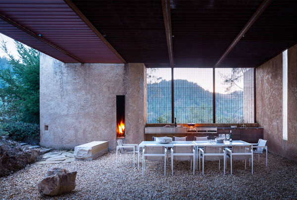 Napa Valley House by Eliot Lee and Eun Lee 12 600x405 Napa Valley House by Eliot Lee and Eun Lee