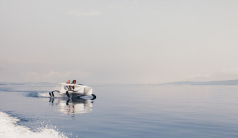 Quadrofoil Electric Hydrofoiling Personal Watercraft (4)