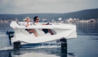 Quadrofoil Electric Hydrofoiling Personal Watercraft (5)