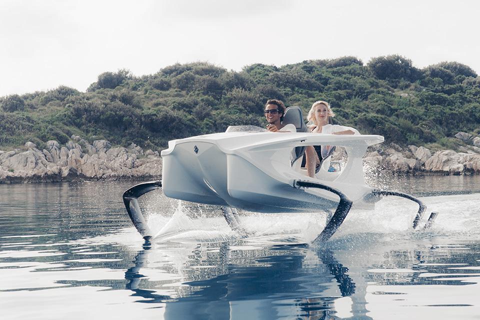 Quadrofoil Electric Hydrofoiling Personal Watercraft (8)