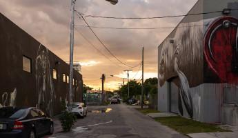 Wynwood Miami - Alley Graffiti Scene