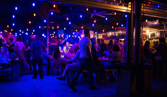 Wood Tavern Wynwood - Crowd