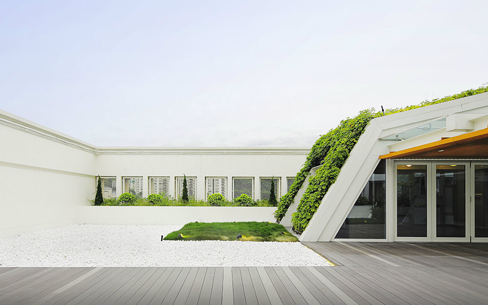 SK Yee Healthy Life Center Green Roof Design by Ronald Lu and Partners – Photo by Kalson Ho 2