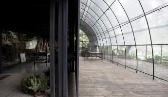 Siu Siu Net House by DIVOOE ZEIN Architects 6