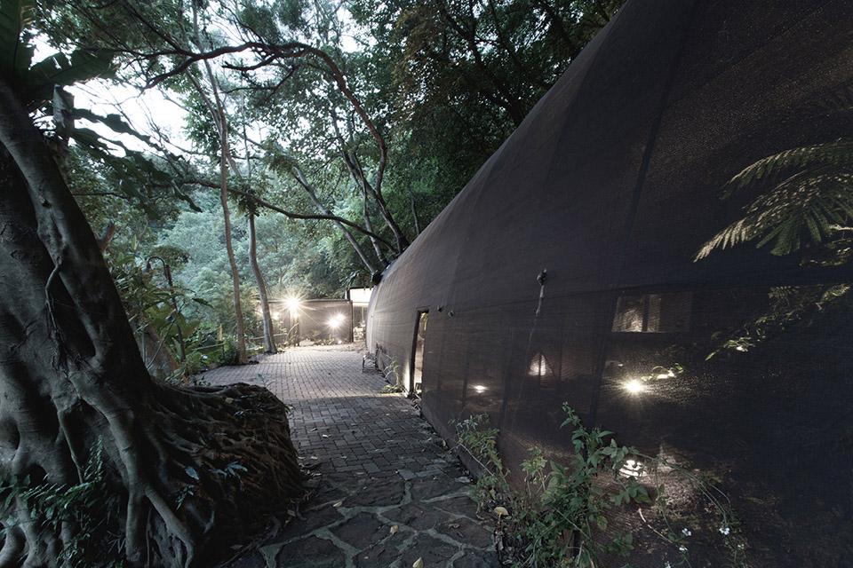 Siu Siu Net House by DIVOOE ZEIN Architects 8