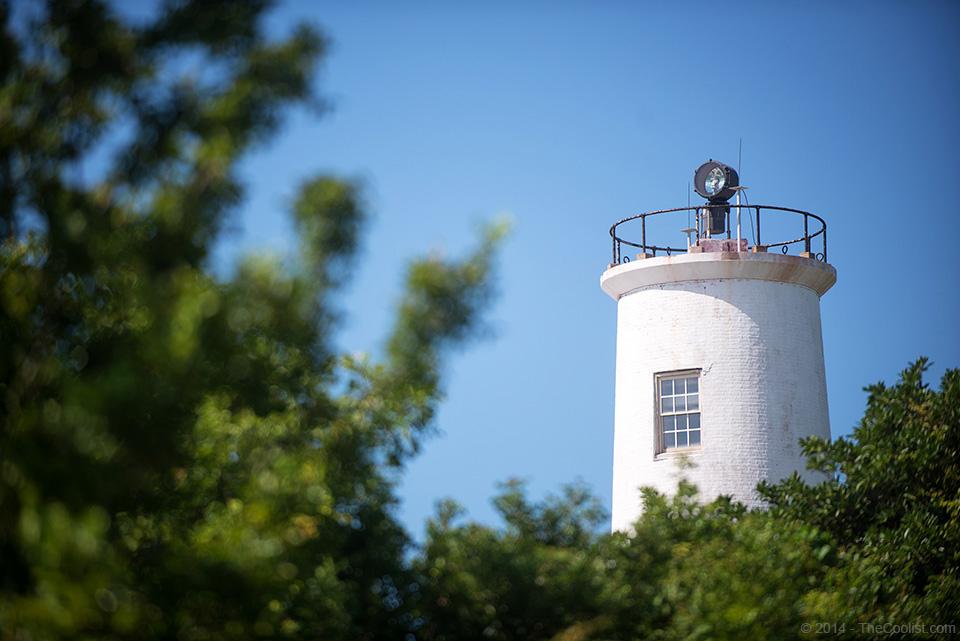 Abandoned-Beach-Forts-of-Florida-Egmont-Key-Lighthouse