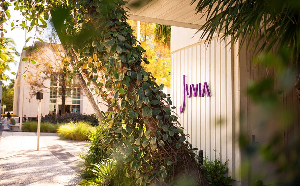 Car2Go-Miami-Juvia-Entrance