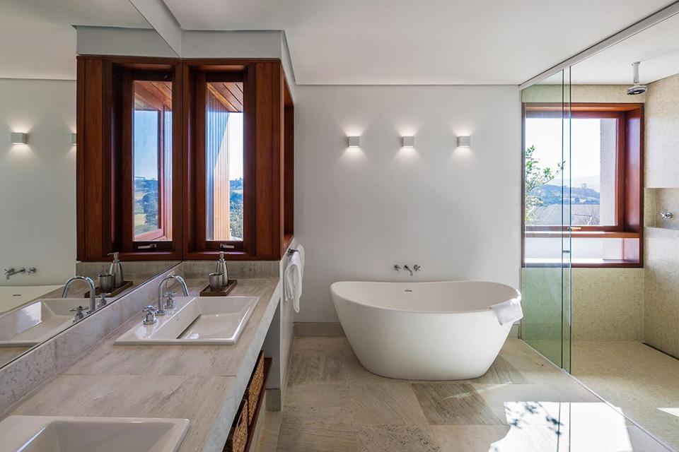 FT House by Reinach Mendonça Arquitetos Associados – Photo by Nelson Kon 13