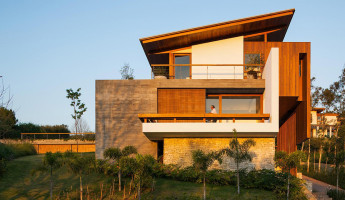FT House by Reinach Mendonça Arquitetos Associados - Photo by Nelson Kon 14