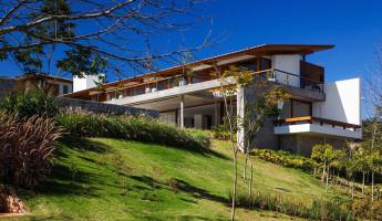 FT House by Reinach Mendonça Arquitetos Associados - Photo by Nelson Kon 15