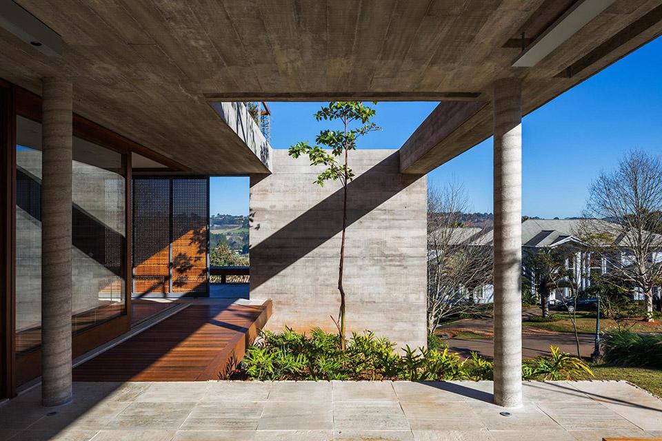 FT House by Reinach Mendonça Arquitetos Associados – Photo by Nelson Kon 3