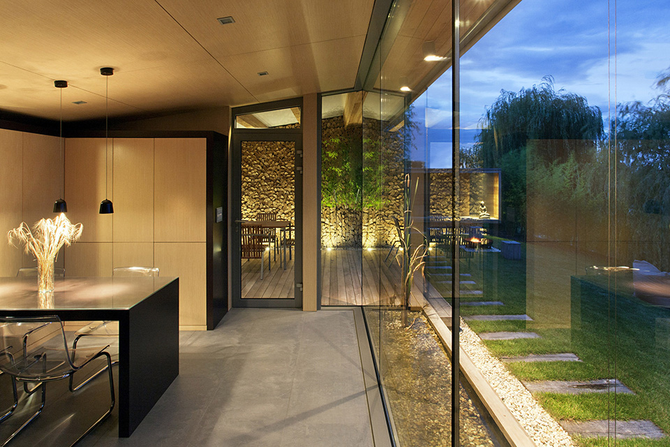Holiday Cottage by Tóth Project Architect Office – Photo by Tamás Bujnovszky 2