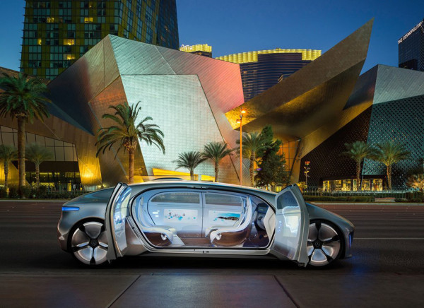 Mercedes F 015 Luxury in Motion Concept 8 600x436 Mercedes Benz F 015 Luxury in Motion Concept