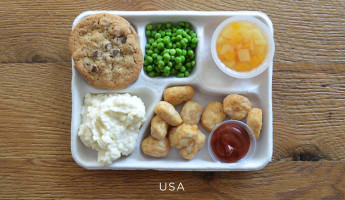 School Lunches Around the World - Food Photography by Sweetgreen - USA