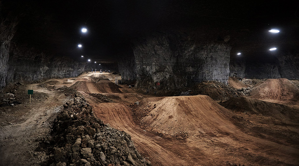 The Underground Bike Park Of Louisville S Mega Cavern