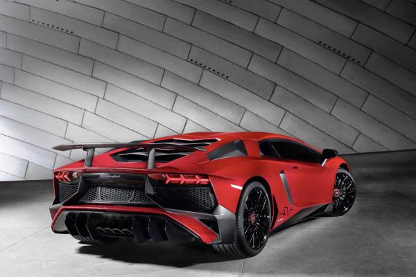 Lamborghini Aventador LP 750-4 Superveloce 2