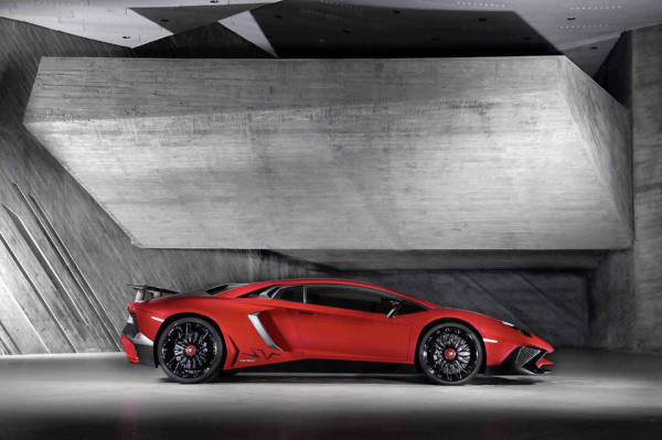 Lamborghini Aventador LP 750-4 Superveloce 3