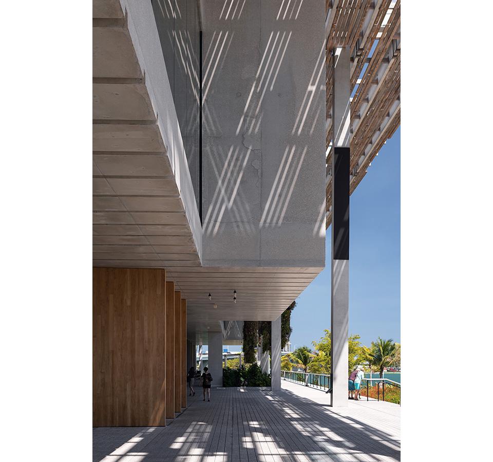 PAMM—Entrance-Vertical