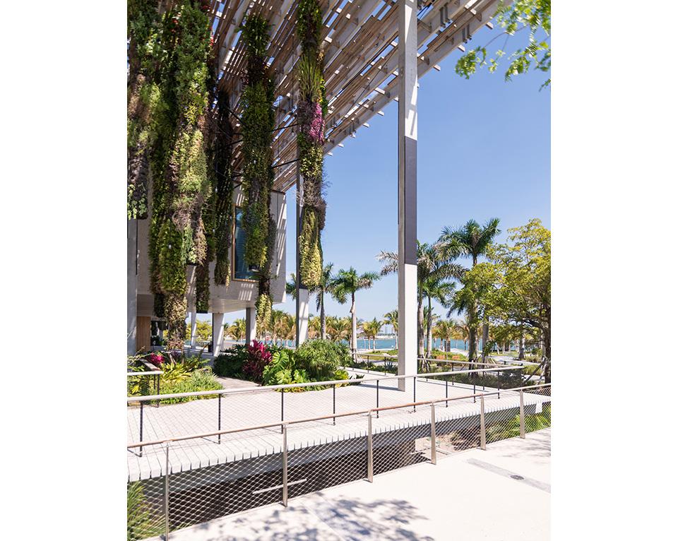 PAMM—corner-garden