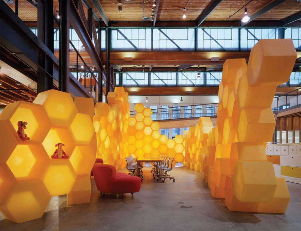 Disney Store Headquarters by Clive Wilkinson Architects 3