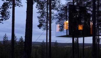 Mirrored Architecture - Mirror Cube at TreeHotel Sweden