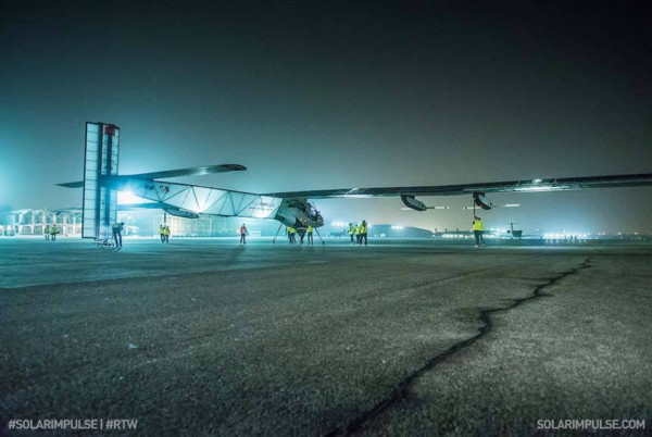 Solar Impulse 2 9 600x402 Solar Impulse 2 Airplane Aims to Set A New Solar Flight Record Around the World