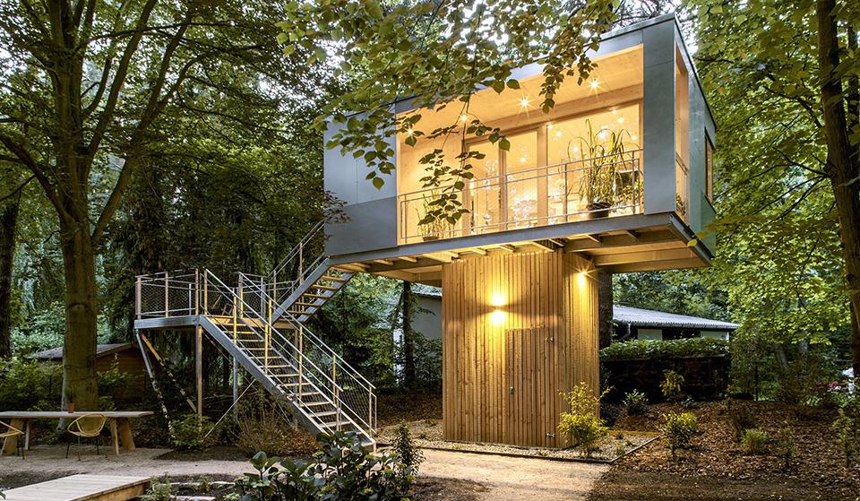 Urban Treehouse by Baumraum hero