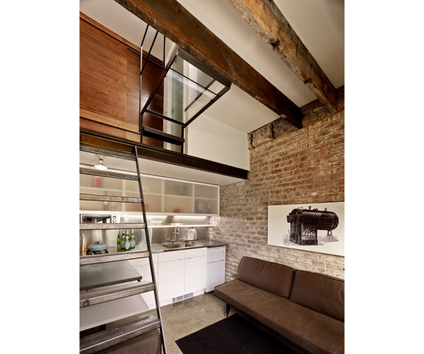 Brick House Restoration by Christi Azevedo 3 600x500 This Vintage Laundry Room Restoration Might Be San Franciscos Smallest Dwelling