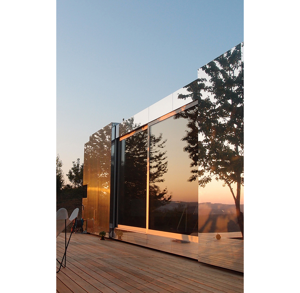 Casa Invisible Mirrored Prefab Tiny House by Delugan Meissl Associated Architects 4