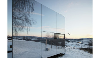 Casa Invisible Mirrored Prefab Tiny House by Delugan Meissl Associated Architects 9