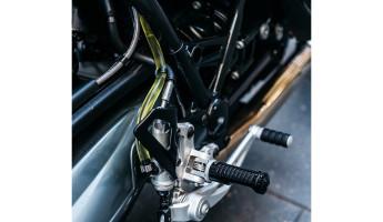 Deus Ex Machina BMW R90 - The Heinrich Manuevre 7