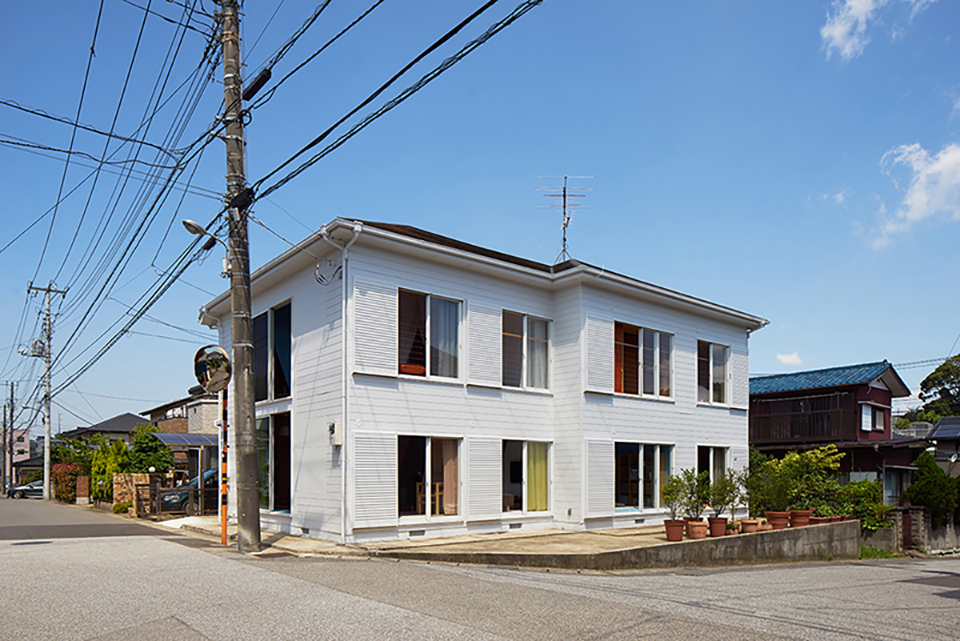 Kochi Architects Studio – Apartment House Tokyo – Photo by Daici Ano 5