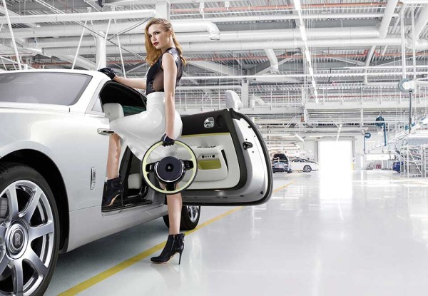 Rolls Royce Wraith Inspired by Fashion 9 600x415 Can High Fashion Influence a Luxury Car? This Rolls Royce Wraith is Runway Ready Proof