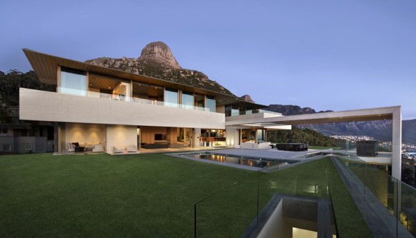 South African Seaside Overlook House - OVD 919 by SAOTA 2
