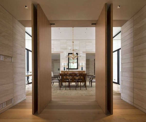 Stone Court Villa by 180 Degrees Inc 11 600x502 This Stone Temple of Desert Living is the Ultimate Escape from Las Vegas