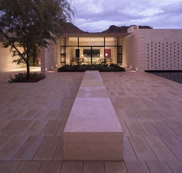 Stone Court Villa by 180 Degrees Inc 8 600x569 This Stone Temple of Desert Living is the Ultimate Escape from Las Vegas