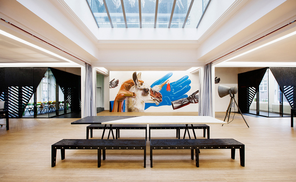 View In Gallery Superheroes Amsterdam Office Design By Simon Bush King  Architecture And Urbanism 1