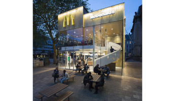 Contemporary McDonalds by Mei Architects - Photography by Jeroen Musch 6
