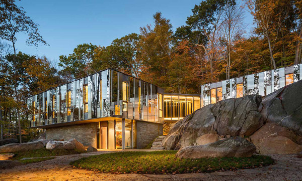 Pound Ridge House by Kieran Timberlake 4 600x361 This Mirrored Forest House in New York is Embedded into Ancient Glacier Rock