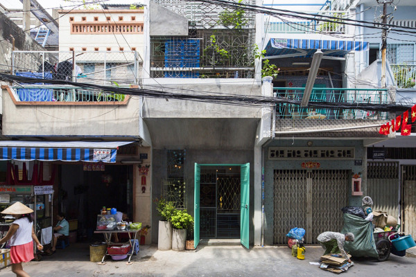 Saigon House by a21studio 11 600x400 A Stacked Cascade of Tiny Houses Turns This Alley into an Architectural Masterwork