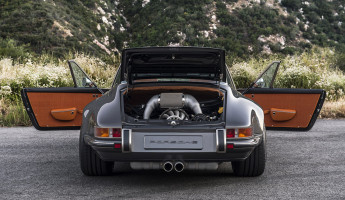 Singer Porsche 911 Targa 6
