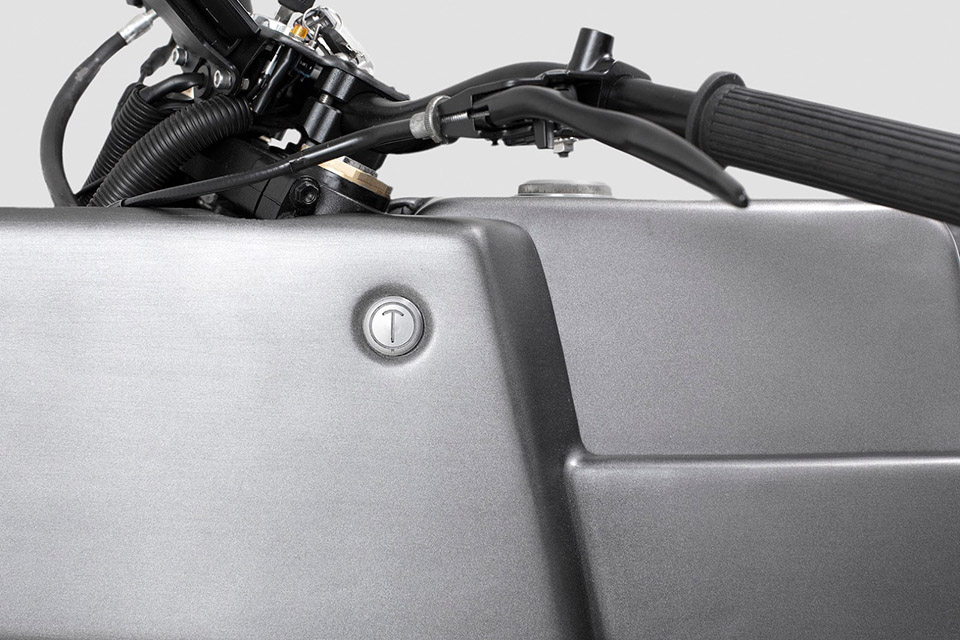 Thrive Motorcycles T005 Cross Yamaha Scorpio Custom 6