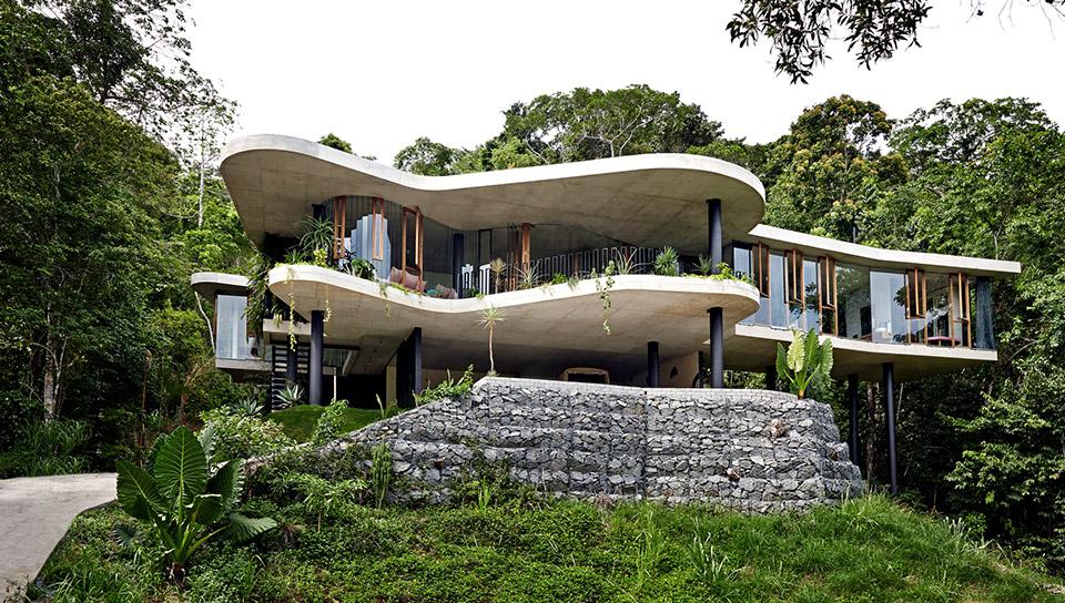 Planchonella House by Jesse Bennett 2