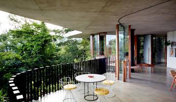 Planchonella House by Jesse Bennett 4